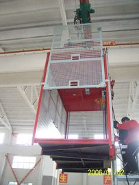 Membangun Double Cage Hoist Red Paited 380V 50HZ Elevator Penumpang