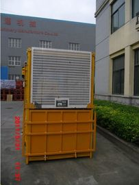 Single Cage 1000kg Material Personil Hoist With Counterweight