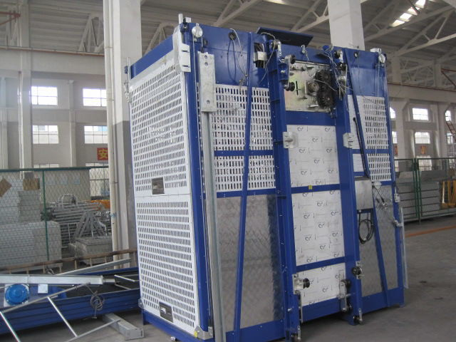 100m Single Cage Construction Hoist , Steel Galvanized Material
