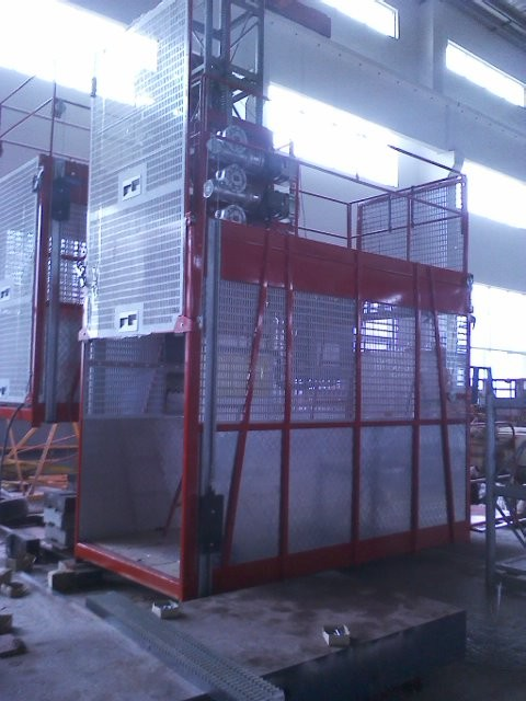 Goods Electric Passenger Hoist Elevator , Construction Site Elevator